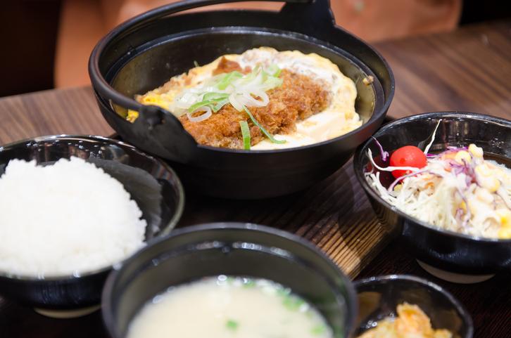 돈까스 김치나베, 치즈 계란밥